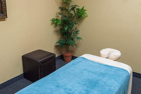all-star-chiropractic-hebron-massage-table